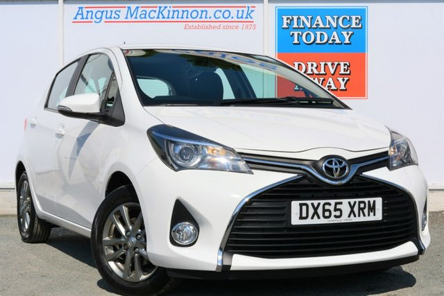2015 65 TOYOTA YARIS 1.3 VVT-I ICON Petrol 5d Hatch Lovely in White with Low Road Tax and High 58mpg