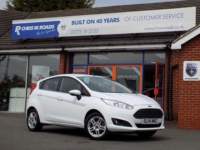 USED 2014 14 FORD FIESTA 1.2 ZETEC 5dr  * ONLY 22,000 Miles *