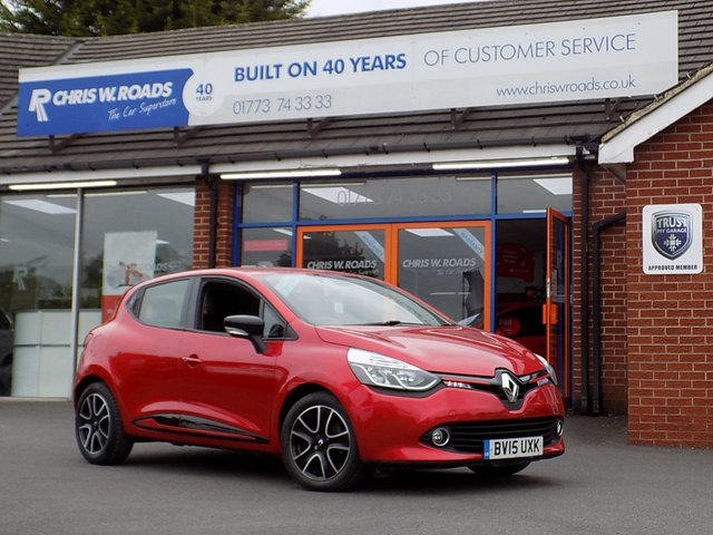 USED 2015 15 RENAULT CLIO 1.5 DCi DYNAMIQUE MEDIANAV ENERGY 5dr ** Sat Nav + Bluetooth + Cruise **