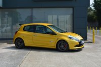 USED 2010 10 RENAULT CLIO 2.0 RENAULTSPORT 3d 197 BHP LIQUID YELLOW, BILSTEIN COILOVERS, LIMITED SLIP DIFF, SERVICE HISTORY INC CAMBELT CHANGE