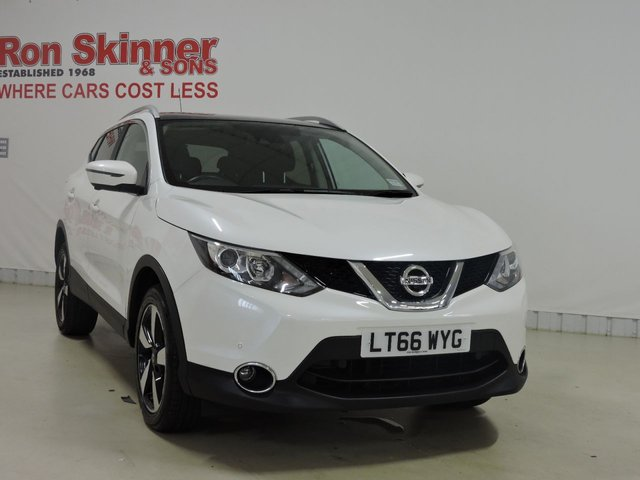 View our 2016 66 NISSAN QASHQAI 1.5 N-CONNECTA DCI 5d 108 BHP with Comfort Pack