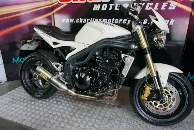 View our TRIUMPH SPEED TRIPLE 1050