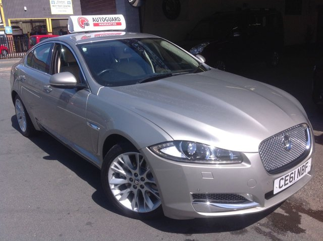 2012 61 JAGUAR XF 3.0 V6 LUXURY 4d AUTO 240 BHP