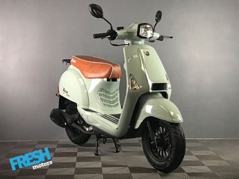 2018 NECO LOLA 50 Iced Blue Scooter Brand New £1170.00