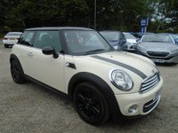 2011 MINI HATCH COOPER 1.6 Cooper (Sport Chili) 3dr £8695.00