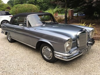 1965 MERCEDES-BENZ 220 220 SE AUTO CONVERTIBLE W111 £89950.00