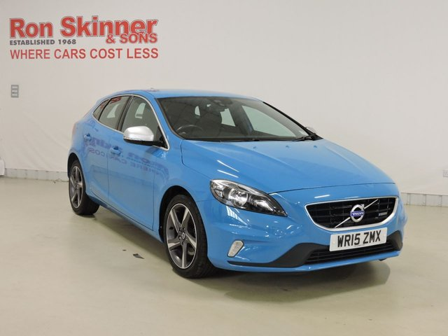 View our 2015 15 VOLVO V40 1.6 T2 R-DESIGN 5d 118 BHP