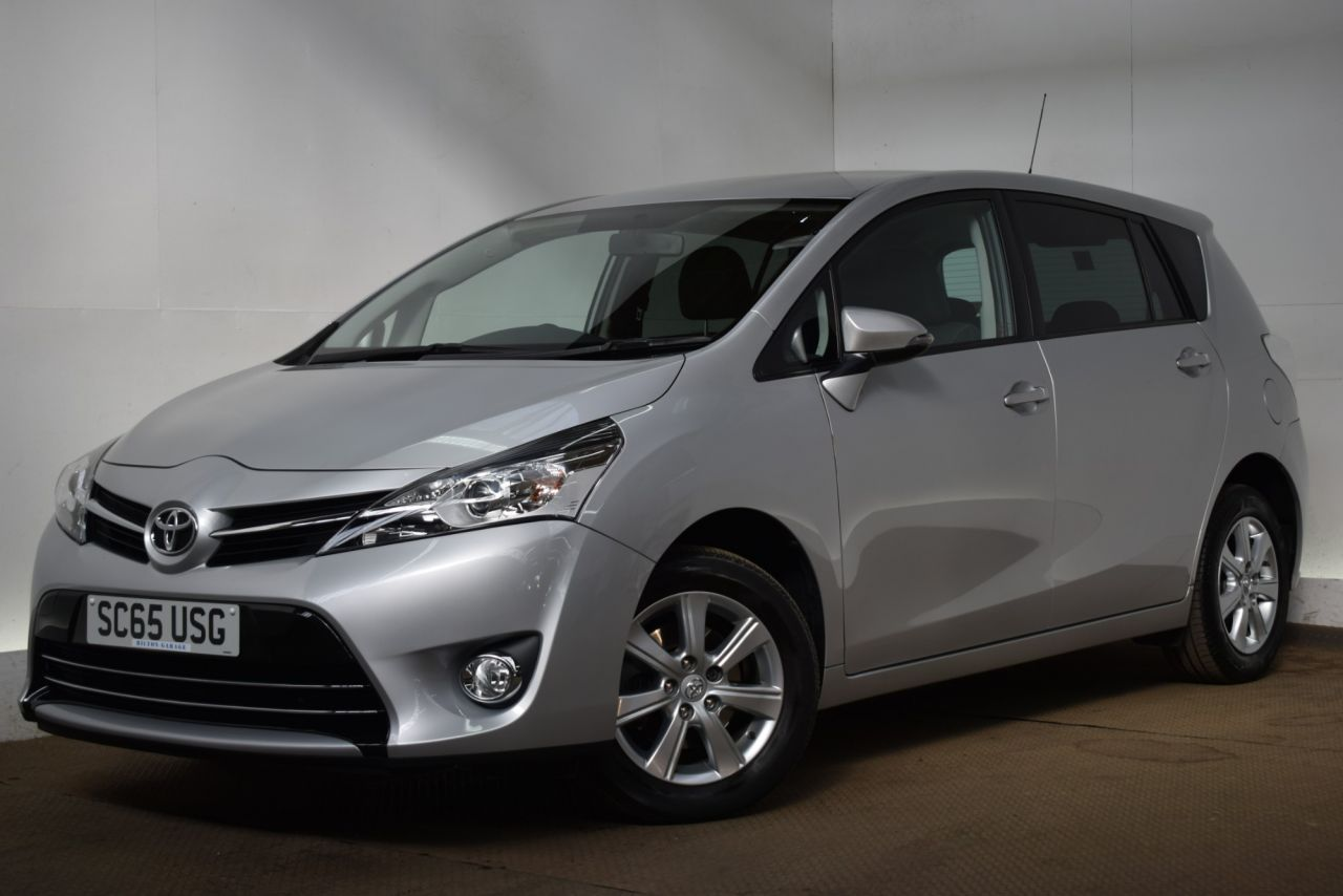 Toyota Verso Valvematic Icon 11690 Used Cars At Hilton Garage Derby 2015 Interior 65 16 5d 131 Bhp