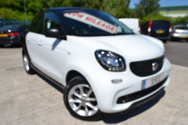 USED 2017 67 SMART FORFOUR 1.0 PASSION 5d 71 BHP WHITE WITH BLACK CELL ~ SMART WARRANTY REMAINING ~ 2 KEYS ~ LOW INSURANCE