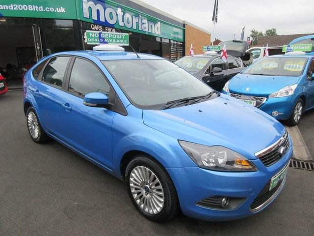 USED 2010 10 FORD FOCUS 1.6 TITANIUM 5d AUTO 100 BHP .. CALL 01543 379066 TO ARRANGE TEST DRIVE TODAY