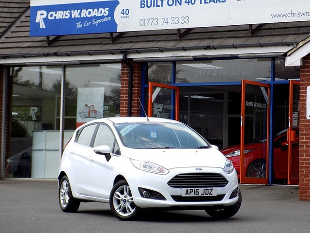 USED 2016 16 FORD FIESTA 1.6 ZETEC 5dr AUTO  ** Lovely Little Auto Only 20k **