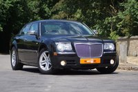 USED 2005 05 CHRYSLER 300C 3.5 V6 RHD 4d AUTO 250 BHP ULTRA LOW MILEAGE ONLY 33K VGC