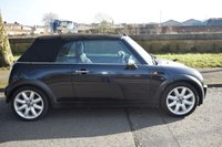 USED 2006 56 MINI CONVERTIBLE 1.6 COOPER 2d 114 BHP SERVICE HISTORY, HALF LEATHER SEATS, ELECTRIC SOFT TOP, RADIO CD PLAYER