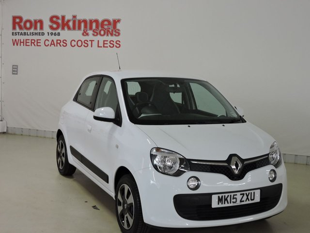 View our 2015 15 RENAULT TWINGO 1.0 PLAY SCE 5d 70 BHP