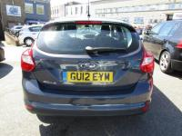 USED 2012 12 FORD FOCUS 1.6 ZETEC 5d AUTO 124 BHP