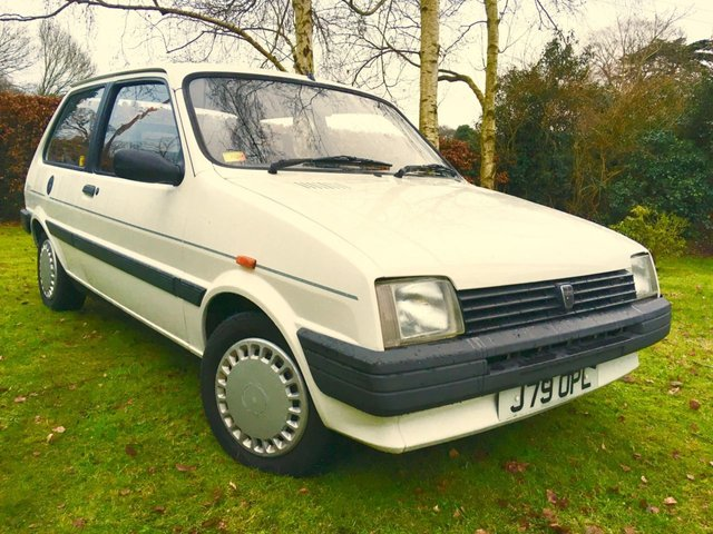 1991 J ROVER METRO 1.3 CLUBMAN L 3d AUTO 63 BHP '2 PREVIOUS LADY OWNERS ONLY 17,800 MILES''