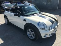 2009 MINI CONVERTIBLE 1.6 COOPER 2d 120 BHP IN WHITE WITH BLACK STRIPS AND ONLY 25000 MILES £6999.00