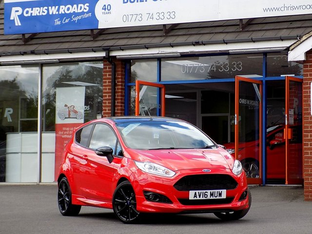 USED 2016 16 FORD FIESTA 1.0 ZETEC S RED EDITION 3dr (140)  ** Sat Nav + 1 Private Owner **