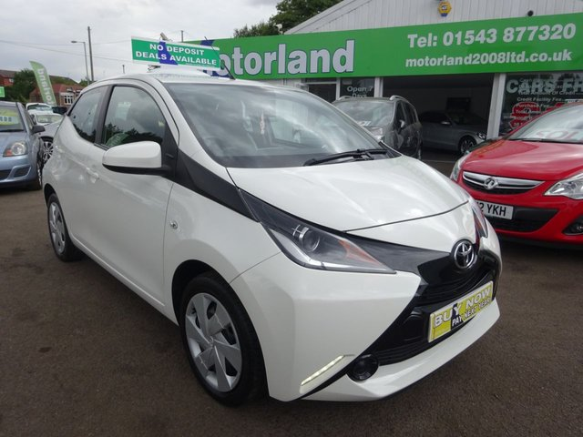 USED 2015 65 TOYOTA AYGO 1.0 VVT-I X-PLAY 5d 69 BHP £0 ROAD TAX....REAR VIEW CAMERA....TOUCH SCREEN STEREO SYSTEM