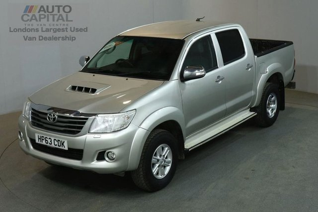 2013 63 TOYOTA HI-LUX 2.5 HL3 4X4 D-4D DCB 4d 142 BHP AIR CON LIGHT UTILITY PICK UP AIR CONDITIONING / REVERSE CAM