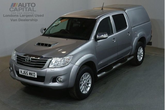 2015 65 TOYOTA HI-LUX 3.0 INVINCIBLE 4X4 D-4D DCB 4d 169 BHP AIR CON LIGHT UTILITY PICK UP AIR CONDITIONING / FULL S/H