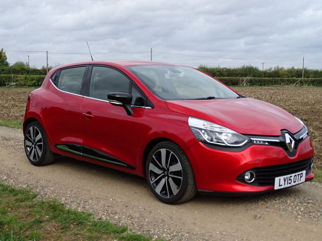 USED 2015 15 RENAULT CLIO 0.9 DYNAMIQUE S MEDIANAV ENERGY TCE S/S 5d 90 BHP FSH Sat Nav Alloys A/C DAB BT