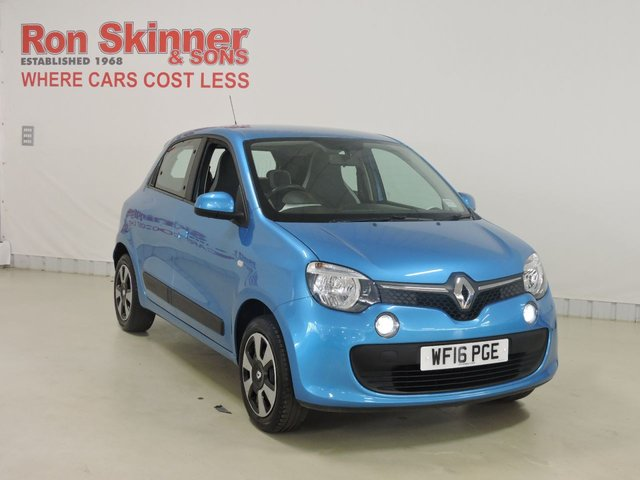View our 2016 16 RENAULT TWINGO (14)   1.0 PLAY SCE 5d 70 BHP