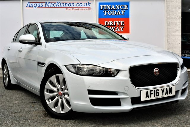 2016 16 JAGUAR XE 2.0 PRESTIGE 4d Saloon AUTO Incredible Low Mileage and Looks Stunning in White