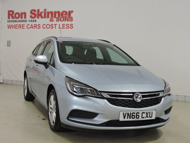 View our 2016 66 VAUXHALL ASTRA (100)    1.6 DESIGN CDTI 5d 108 BHP