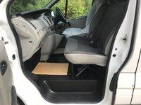 USED 2009 09 VAUXHALL VIVARO 2.0 CDTI SWB 2900KG 6 SEAT CREW VAN **NO VAT**