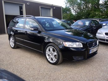 2008 VOLVO V50 2.0D SE Estate In Black With Half Black Leather £3995.00