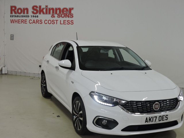 View our 2017 17 FIAT TIPO (99)    1.4 LOUNGE 5d 94 BHP