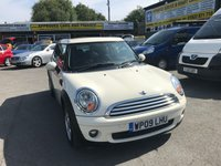 2009 MINI CLUBMAN 1.6 COOPER 5 DOOR 118 BHP IN WHITE WITH ONLY 31000 MILES IN IMMACULATE CONDITION £5999.00