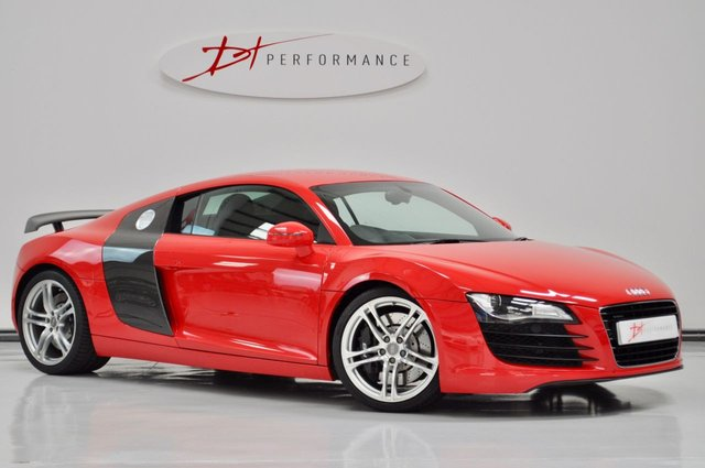 2008 08 AUDI R8 4.2 QUATTRO 2d 420 BHP VERY LOW MILEAGE MANUAL EXTENSIVE CARBON
