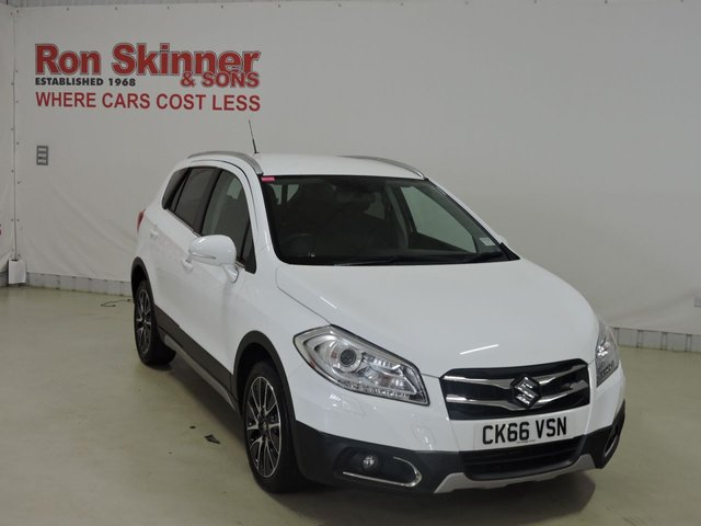 View our 2016 66 SUZUKI SX4 S-CROSS (68)    1.6 SZ-T 5d 118 BHP