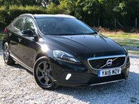 USED 2015 15 VOLVO V40 2.0 D2 CROSS COUNTRY LUX 5d AUTO 118 BHP