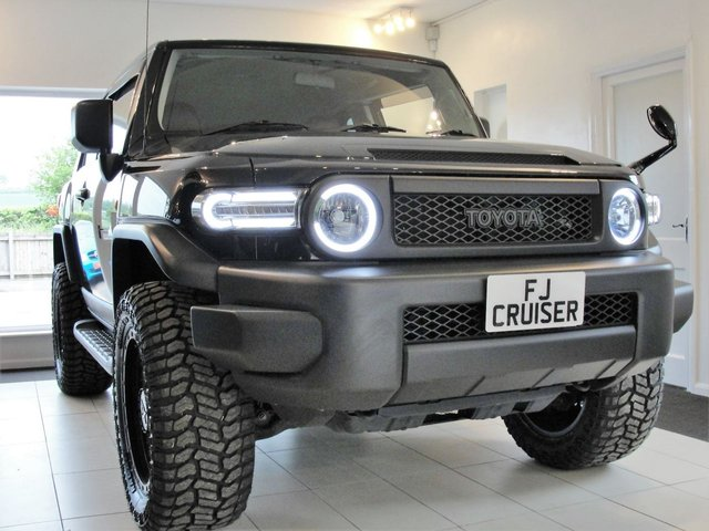 2015 65 TOYOTA FJ CRUISER 4L V6 PETROL 4x4 AUTOMATIC SUV  JEEPSTER BLACK EDITION. VAT Qualifying and included in price.