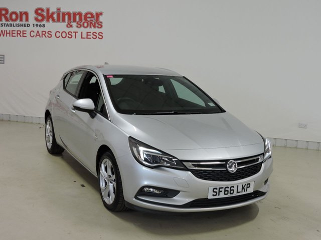 View our 2016 66 VAUXHALL ASTRA (38)   1.6 SRI NAV CDTI S/S 5d 134 BHP