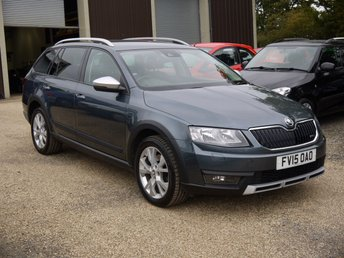 2015 SKODA OCTAVIA 2.0 TDI CR Scout 4X4 DSG Estate In Grey With Half Black Leather £10495.00