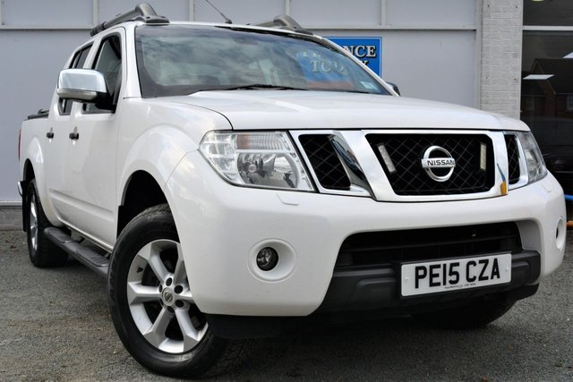 2015 15 NISSAN NAVARA 2.5 DCI TEKNA Great High Spec 4x4 5 Seat Double Cab Pickup with Towbar Roof Bars Side Steps and Rear Cover