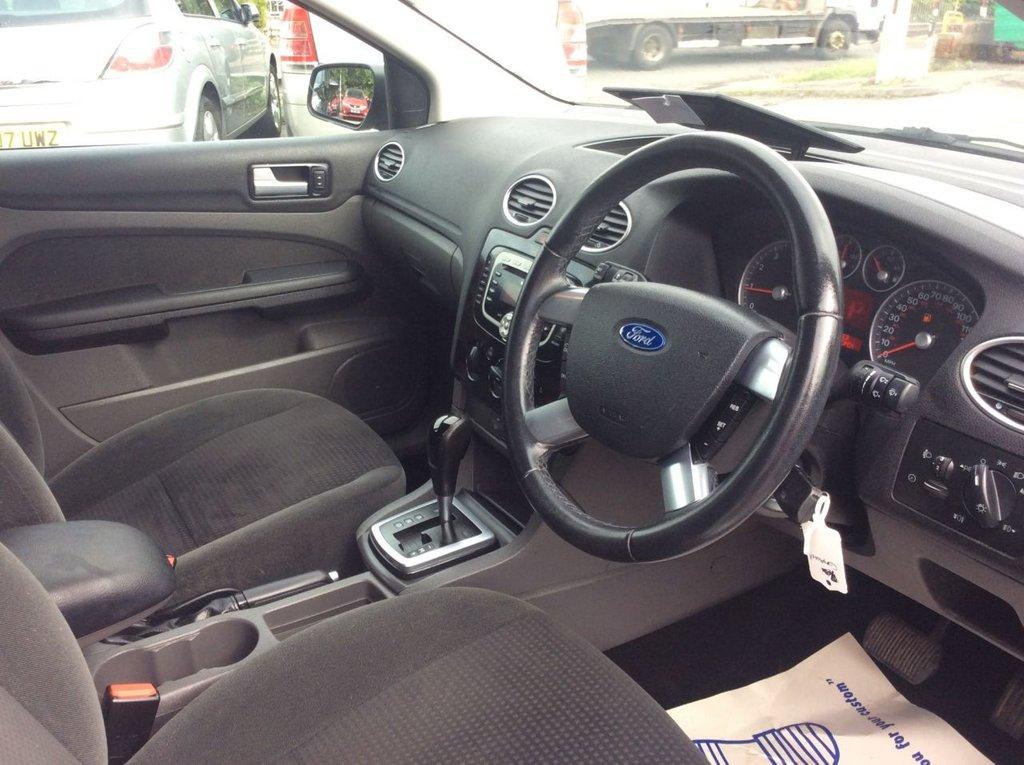 2007 Ford Focus Ghia 16v 2 295