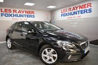 USED 2015 15 VOLVO V40 1.6 D2 CROSS COUNTRY LUX NAV 5d 113 BHP Full Leather, Free Tax, Xenons, Bluetooth, DAB radio