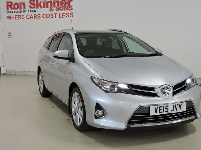 View our 2015 15 TOYOTA AURIS 1.8 VVT-I EXCEL 5d 98 BHP