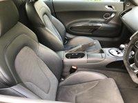 USED 2009 59 AUDI R8 5.2 V10 QUATTRO 2d AUTO 634 BHP