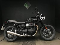 2016 TRIUMPH BONNEVILLE STREET TWIN. 16. 1 OWNER. 2528 MILES. FSH. GREAT CONDITION  £5990.00