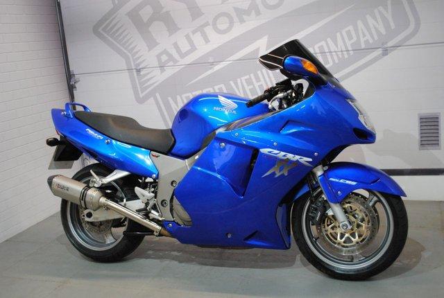 2001 Y HONDA CBR1100XX SUPER BLACKBIRD 1137cc