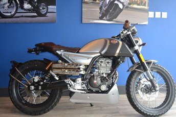 View our MONDIAL HPS125 Hipster