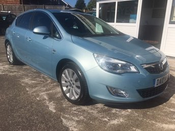 2010 VAUXHALL ASTRA 1.6 SE 5d AUTOMATIC - LOW MILES - HUGE SPEC £4000.00