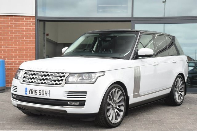 View our 2015 15 LAND ROVER RANGE ROVER 3.0 TD V6 Vogue 4X4 (s/s) 5dr