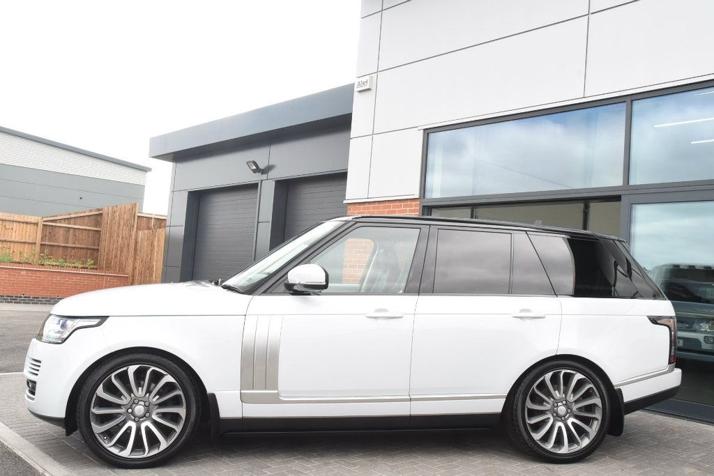 LAND ROVER RANGE ROVER at Click Motors